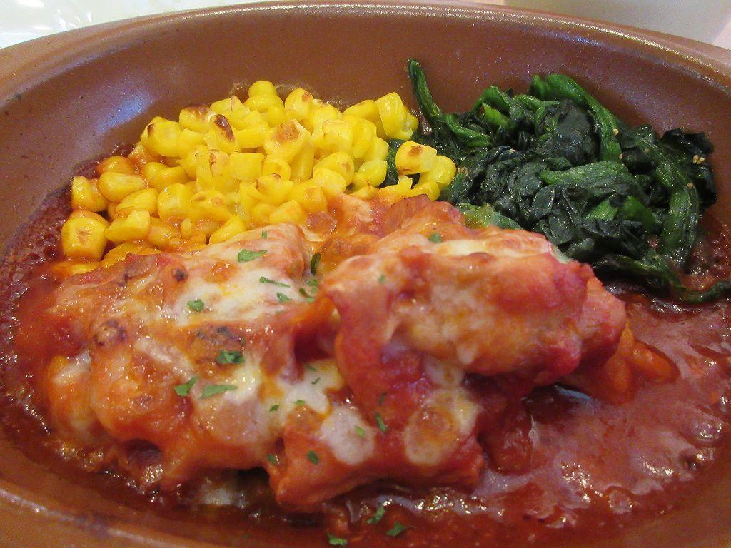 の トマト 煮 チキン